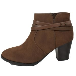 Shoes - Brown  Criss Cross Straps Ankle Bootie Size 8.5